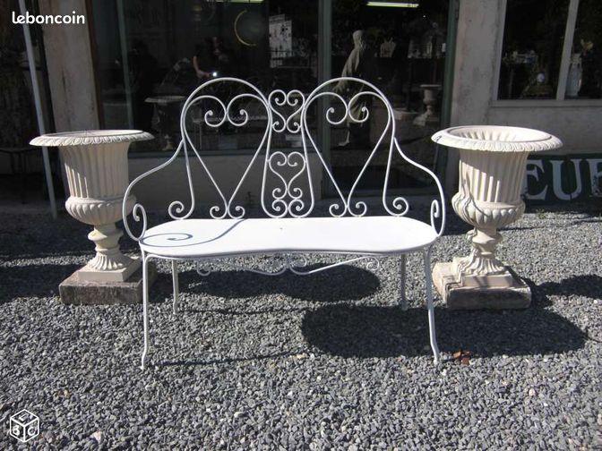 banc de jardin en fer d coration dordogne. Black Bedroom Furniture Sets. Home Design Ideas