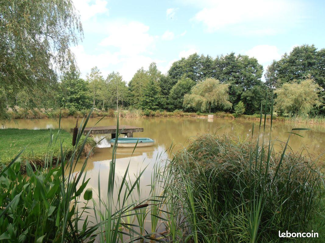 Gite avec étang de pêche privé