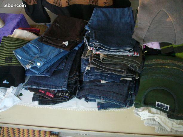 Vêtements Femme 38 excellent état - Briec - Je vends des vêtements Femme en taille 38 DE MARQUES ( Esprit, camaieu, caroll, armor lux, fileuse d'Arvor, manoukian ..) : - pantalons : jeans, toiles ou plus habillé - pulls - vestes - blousons ( toiles doublées et cuir ) - manteaux - jupes - - Briec