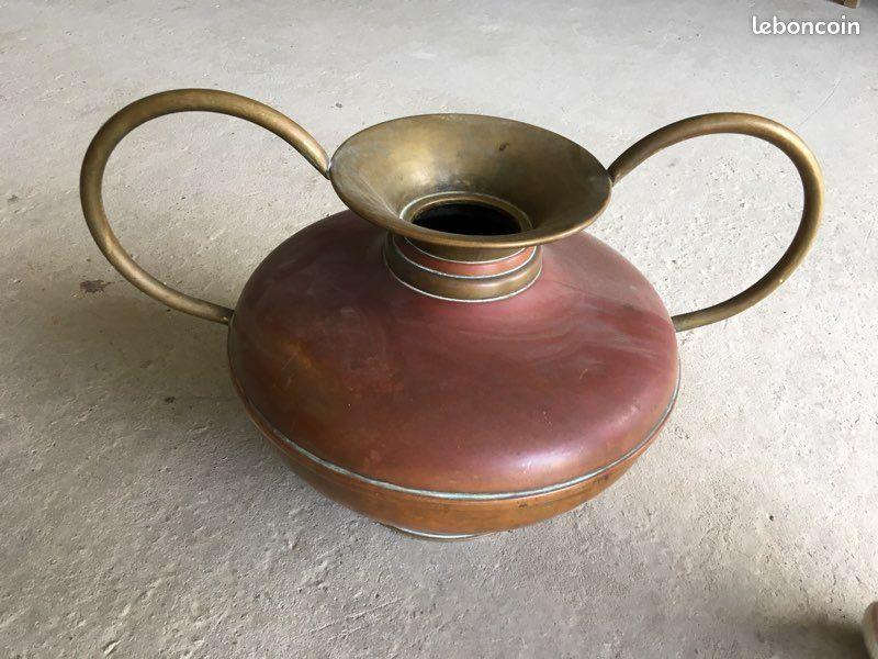 Jarre vase en cuivre