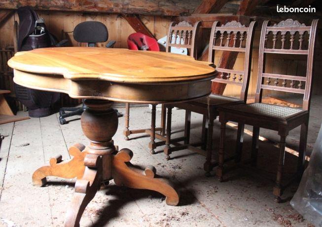 Table et chaises rustique