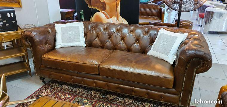 Canapé 3 pl CHESTERFIELD cuir vintage havane