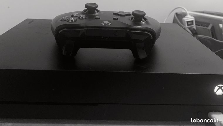Xbox one x 1to  manette