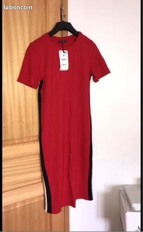 Robe rouge rayé