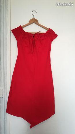 Robe rouge asymétrique t36